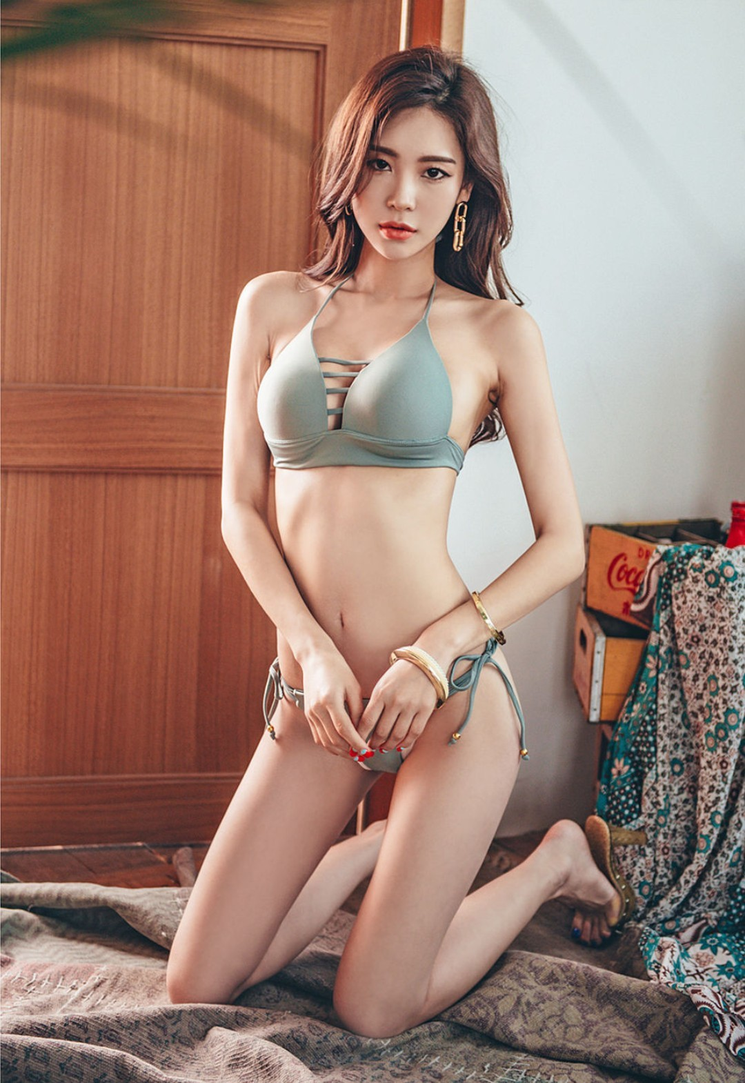 cool Korean model